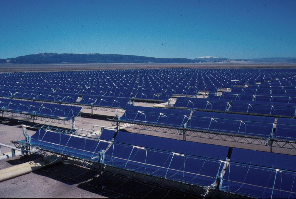 geht das erste Sonnen-Kraftwerk in den USA ans Stromnetz.